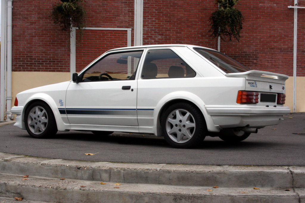http://auto.sport.free.fr/photo/FORD-escort-rs-turbo-4321.jpg