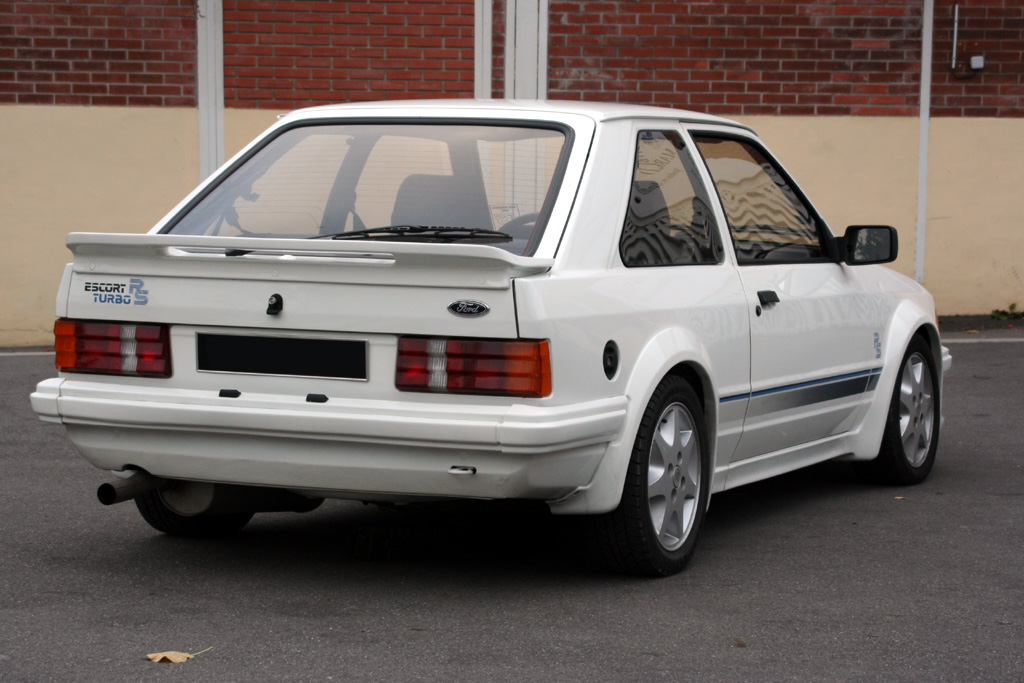 http://auto.sport.free.fr/photo/FORD-escort-rs-turbo-4335.jpg