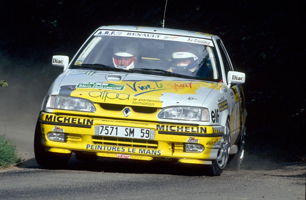 Connu Renault 19 Faz I mi Faz II mi FG03