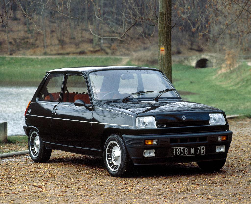 Renault 5 Turbo: 12 фото.