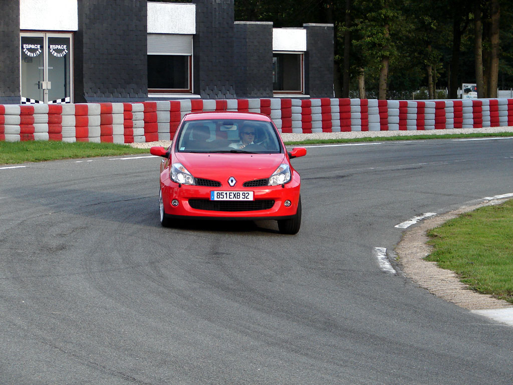 /photo/RENAULT-clio-3-rs-2640.jpg