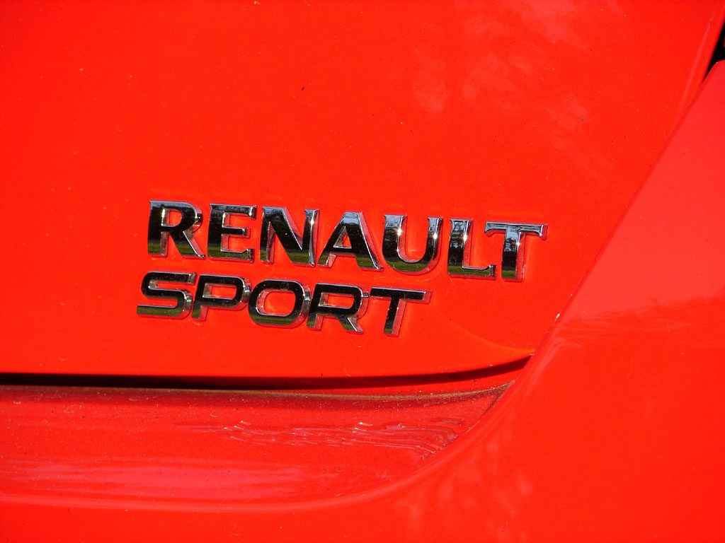 /photo/RENAULT-clio-3-rs-2678.jpg