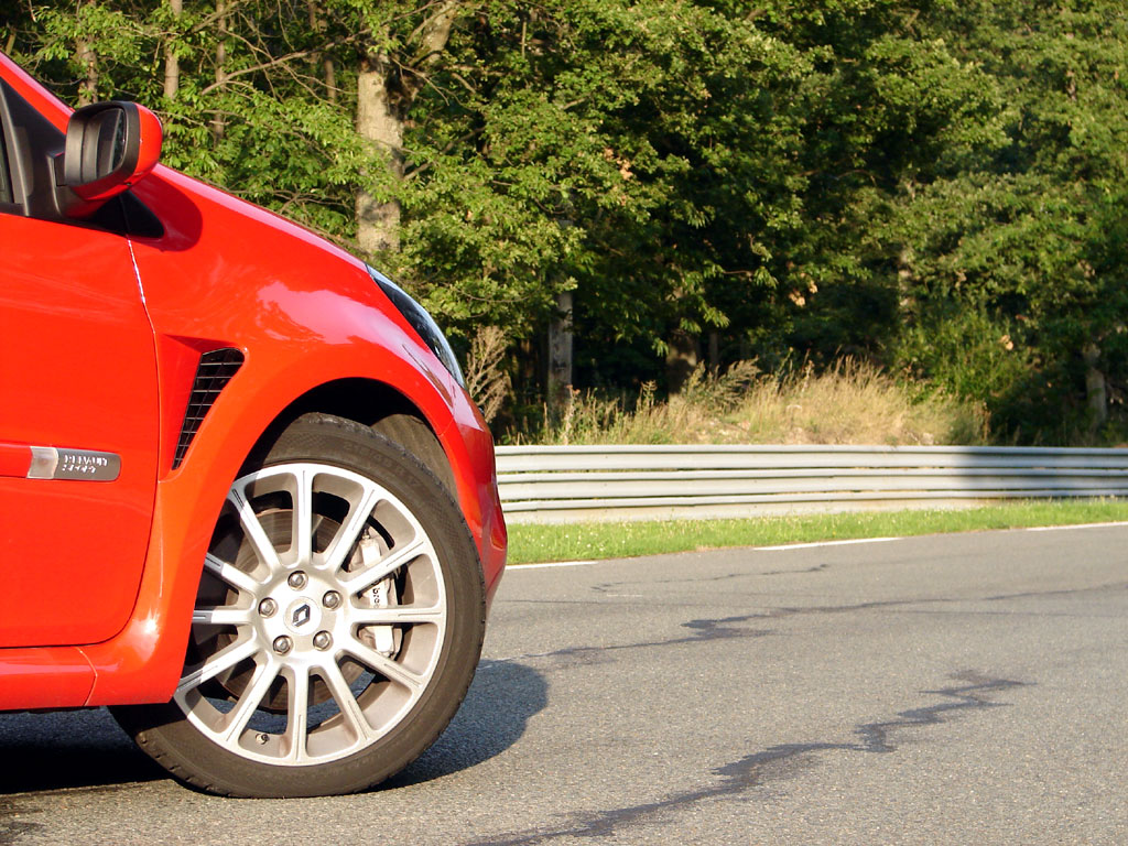 /photo/RENAULT-clio-3-rs-2685.jpg