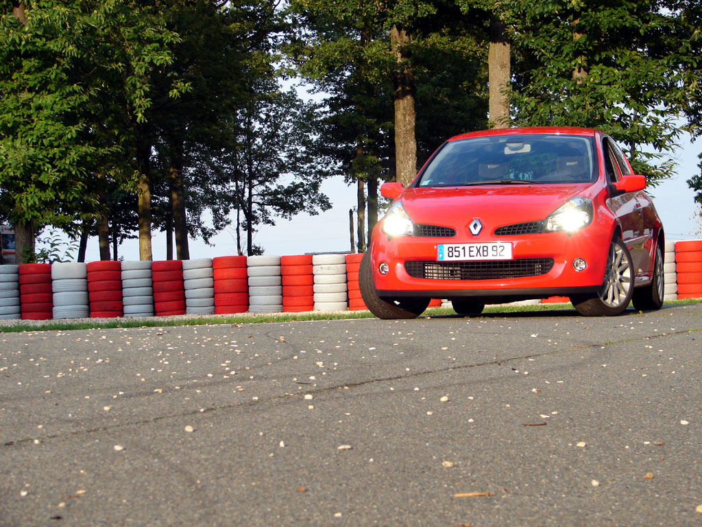 /photo/RENAULT-clio-3-rs-2688.jpg