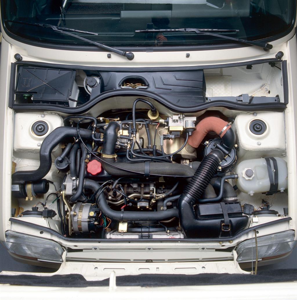 /photo/RENAULT-super5-gt-turbo-1902.jpg