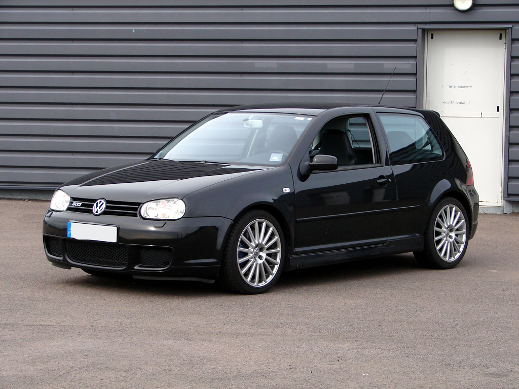 volkswagen golf 4 r32 photo wallpaper fond d ecran. Black Bedroom Furniture Sets. Home Design Ideas
