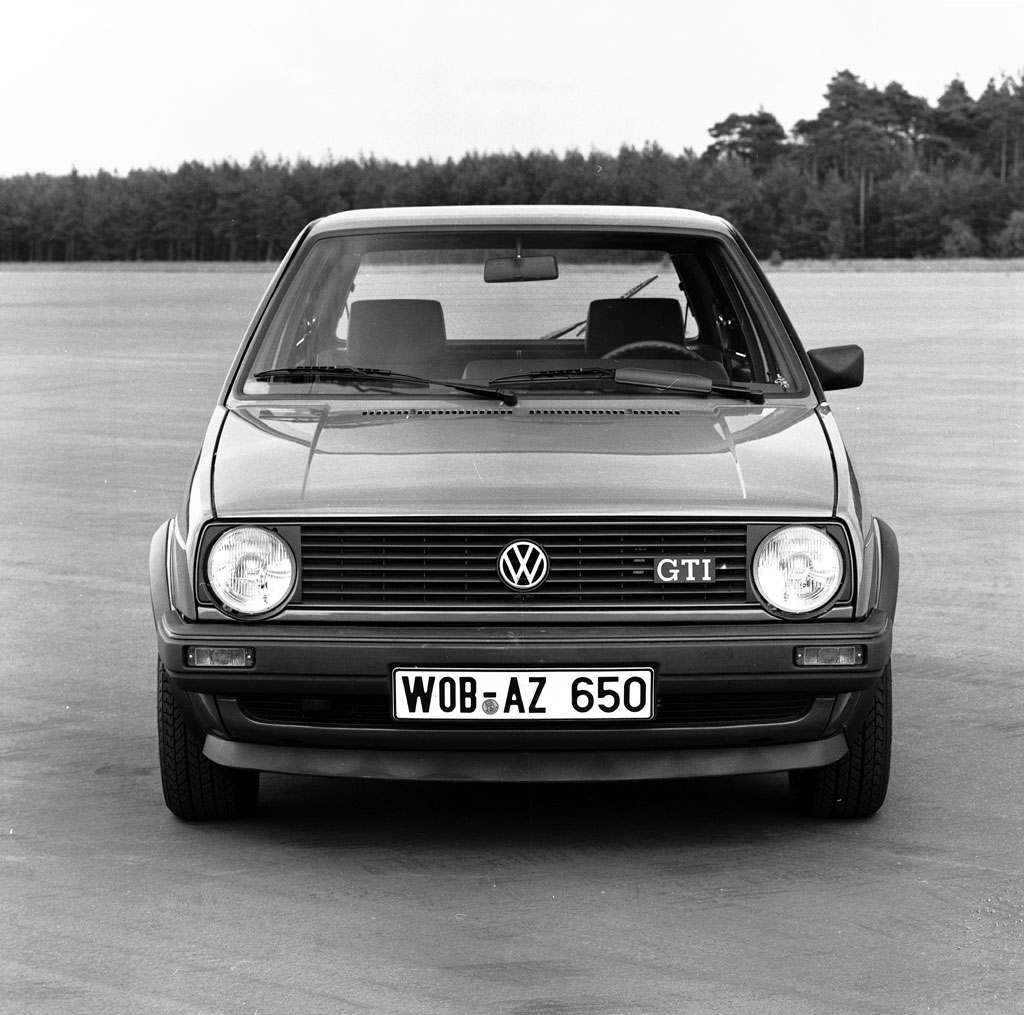 /photo/volkswagen-golf-2-gti-456.jpg